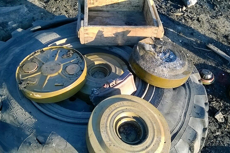 English Russia // Leftover landmines after a battle in Luhansk region, February 2015.